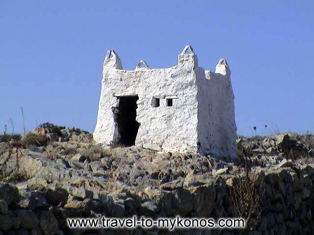 ANO MERA - Ano Mera is a beautiful village which is characterized from the traditional Cycladic architecture.