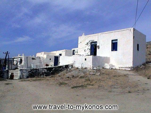 MYKONOS VRISI - Traditional architecture houses.