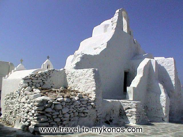 In the region of the castle and in north-western side of it, is found the church of Paraportiani. MYKONOS PHOTO GALLERY - PARAPORTIANI CHURCH