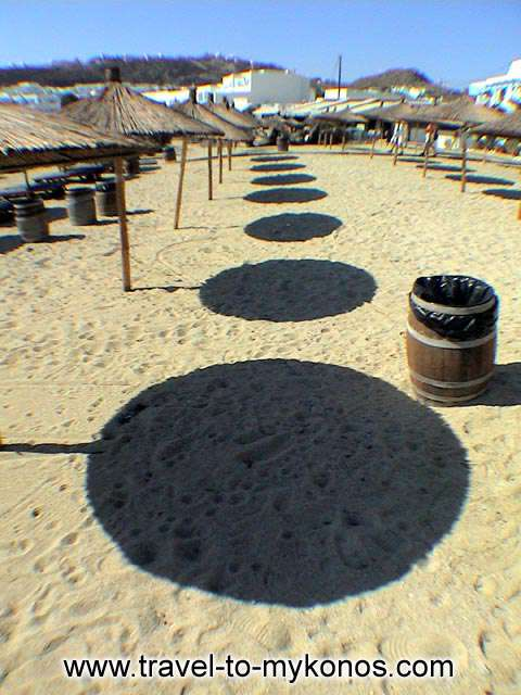 PLATYS GIALOS BEACH - A part of the golden sand of the popular beach.