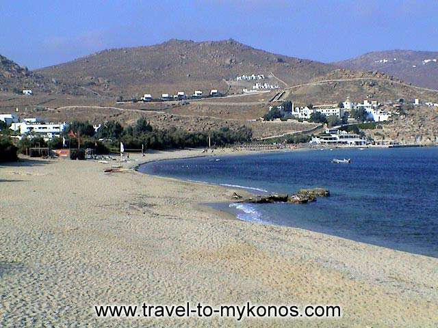 KALAFATIS BEACH - Between Agia Anna and Kalafatis beach there is the Divounda peninsula with a fishing port.