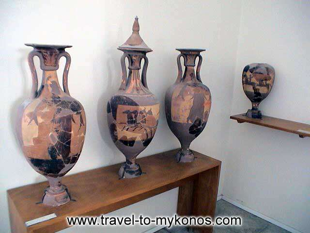 ARCHAEOLOGICAL MUSEUM - Ceramics art has traditional since ancient years in the island of Cyclades.