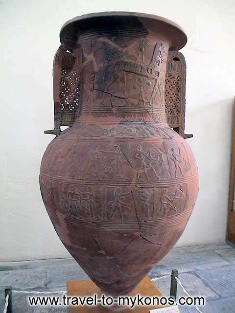 ARCHAEOLOGICAL MUSEUM - A representative sample of Cycladic ceramic art.