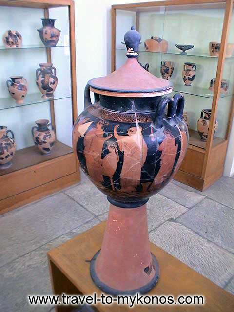 ARCHAEOLOGICAL MUSEUM - A part of the collection with the vessels of Cycladic art.