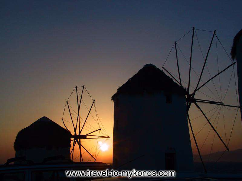The magnificent colours of sunset. MYKONOS PHOTO GALLERY - WINDMILLS SUNSET