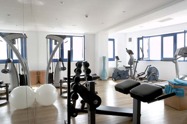 Get rid of those very last toxins in the fully equipped gym of our Boutique Hotel and feel free of any tension with a rejuvenating massage and spa treatments. CLICK TO ENLARGE